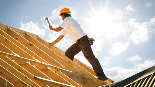 Holzarbeiten am Dachstuhl
