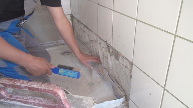 Vorbereitung des Untergrundes: Sauber und tragfähig muss er sein