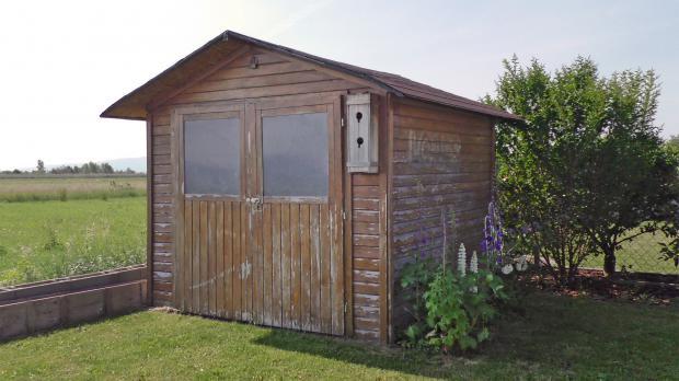 Gartenhaus neu streichen: Ausgangssituation