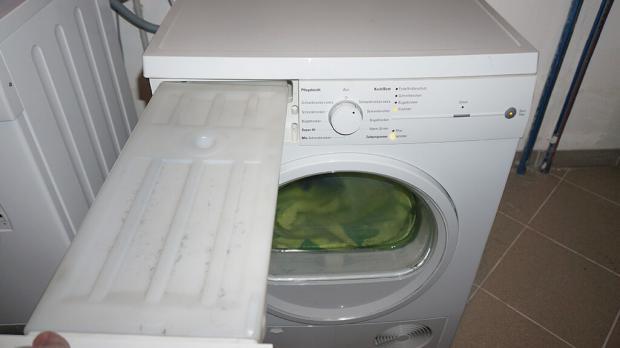 Fehlermeldung behälter leeren: wenn beim wäschetrockner der behälter