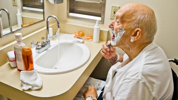 Barrierefreie Nutzung des Bads im Alter