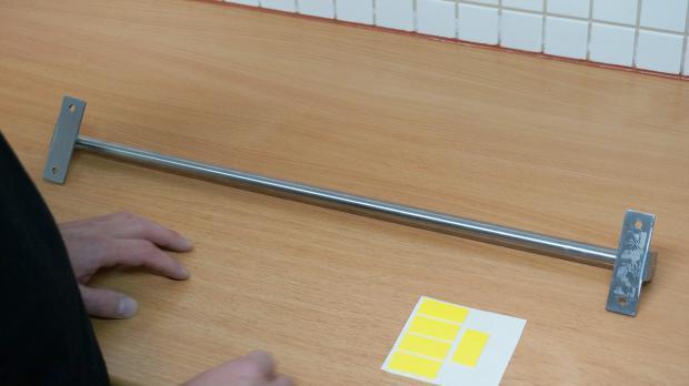 Kontakt-Oberflächen vor dem Bekleben gründlich reinigen