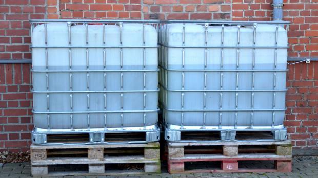 Wassercontainer zum Sammeln von Regenwasser