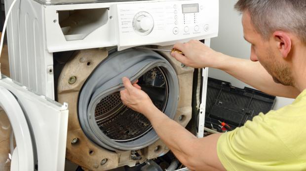 Laufende Reparatur der Waschmaschine