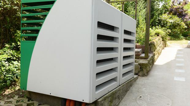 Luftwärmepumpe im Garten