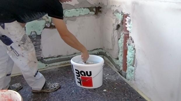 Vorbereitungen vor dem Verputzen der Wand