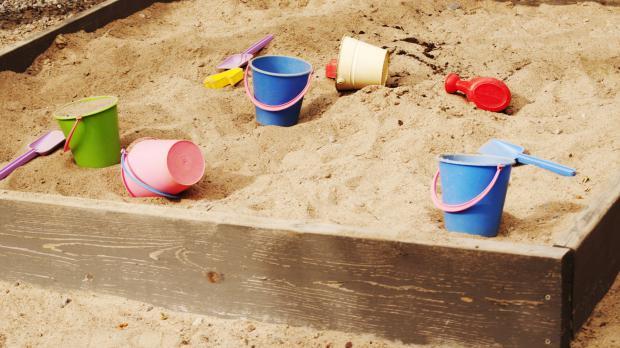 Selbstgebauter Sandkasten