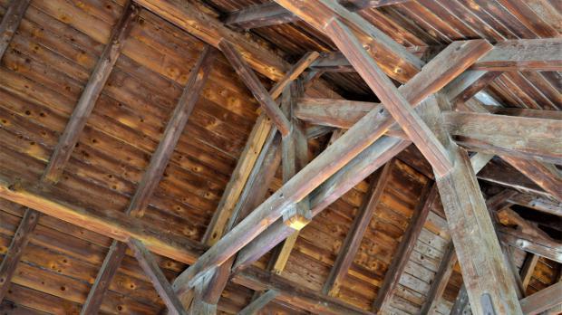 Wertvolles Altholz im Dachstuhl