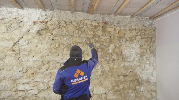 Mauerwerk vornässen