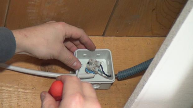 12 volt halogenstrahler durch led strahler ersetzen anleitung. Black Bedroom Furniture Sets. Home Design Ideas