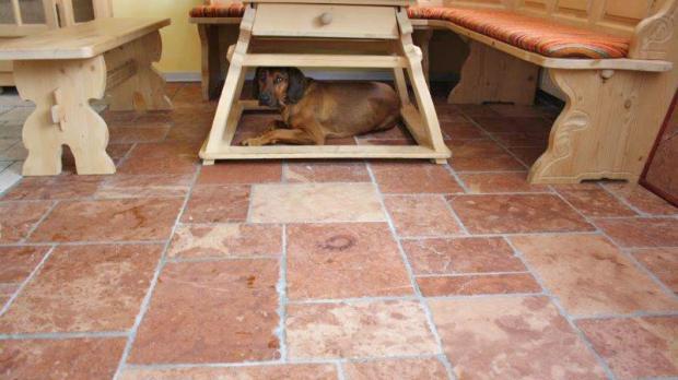 Küchenboden aus Kalkstein