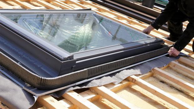 Einsetzen der Dachfenster
