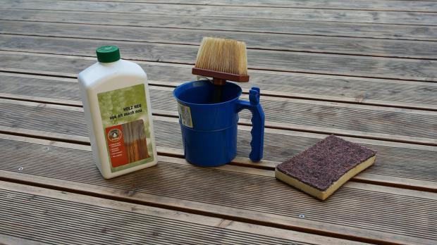 Farbe auffrischen mit Holzreiniger - ein Versuch