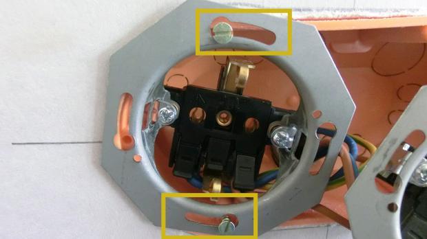 Zusätzliche Steckdose verlegen - Steckdose einsetzen
