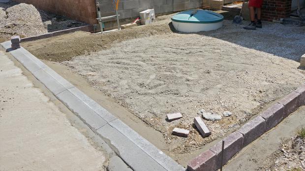 randsteine setzen anleitung um betonrandsteine zu verlegen anleitung. Black Bedroom Furniture Sets. Home Design Ideas