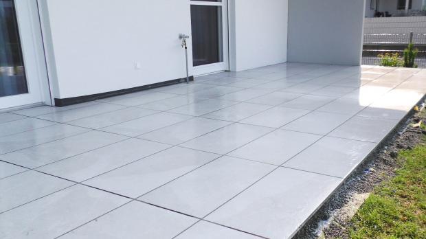 Fertig verfugte Terrassenplatten