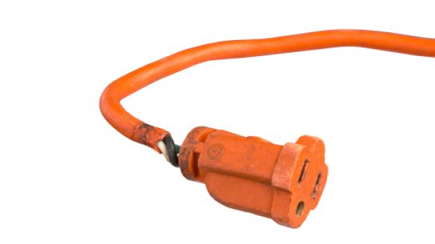 Ein kaputtes Kabel ist oft für das Auslösen des FI-Schutzschalters verantwortlich