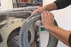 Bauknecht-Waschmaschine: Türdichtung wechseln