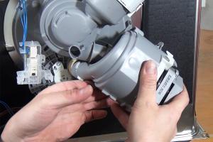 Bosch Geschirrspüler: Fehler E09 - Heizpumpe tauschen - Teil 1