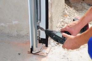 Garagentor einbauen: DIY-Tipps für das Eigenheim