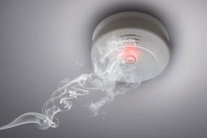 Rauchwarnmelder: Was jeder über die Lebensretter wissen sollte!