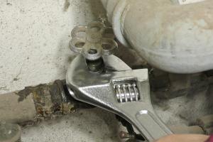 Wasserhahn reparieren: Ventil tauschen