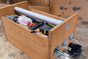 Werkzeugkiste selber bauen: Die Gewindestangen-Box