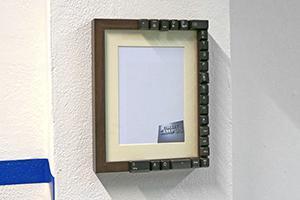 Bilderrahmen aufhängen ohne Bohren