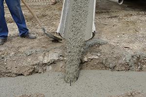 Fundament für die Gartenmauer - Streifenfundament selber machen