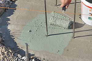 Vorbereitung für die Gartenmauer - Streifenfundament abdichten und einmessen