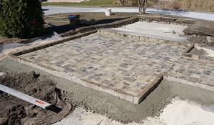 blumentrog selber bauen das betonstein trio anleitung tipps. Black Bedroom Furniture Sets. Home Design Ideas